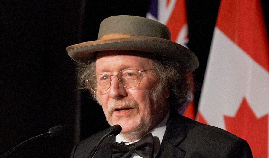Nobel laureate Jeffrey Halls wear a distinctive Civil War era hat.