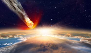 Blazing meteor streaks through the Earth's atmosphere
